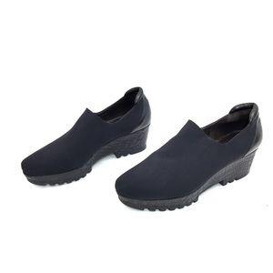 Donald Pliner Black Crepe & Leather Platform Shoes